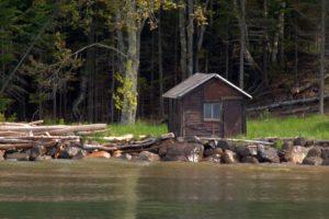 manitou-island-fish-camp-cabin-3532419_1920